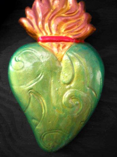 GREEN BEATLE SACRED HEART