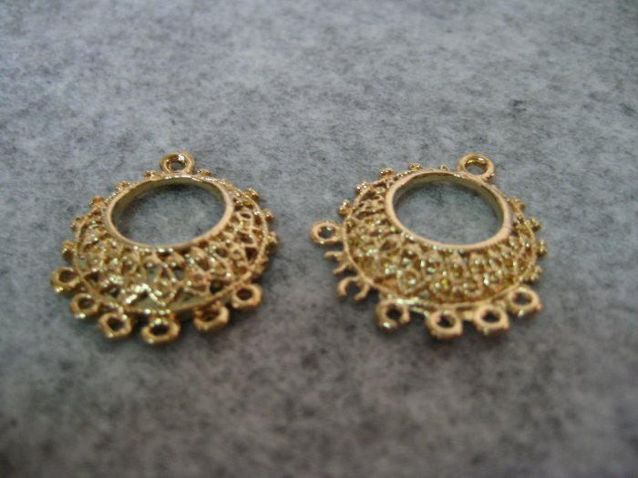 Filigree, 27mm x 25mm, 1 pair
