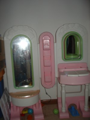 Fisher Price Vanity -Local Pick up only