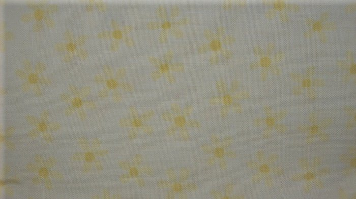 BOLT END Little Suzy's Zoo Yellow Daisies KIDS COTTON SEWING FABRIC LAST PIECE