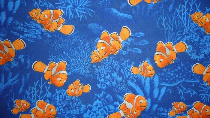 F8 Disney Pixar Finding Nemo Marlin Toss On Blue Cotton