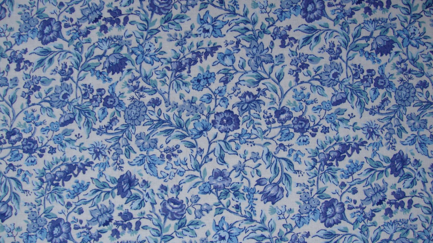F8 Blue Floral Cotton Fabric Fat Eighth F8th by Concord