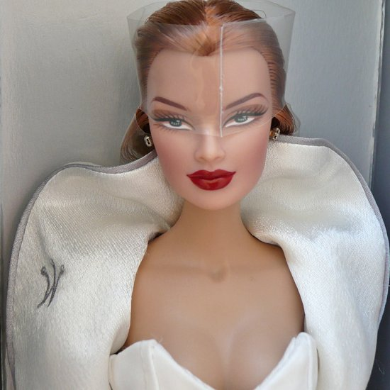 Fashion Royalty VERONIQUE REDHEAD , Limited Edition Doll by Jason Wu
