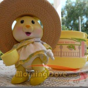 Tea Bunnies and Me Daisy Breeze and her Sunny Bunny Bay Inn Tea Cup