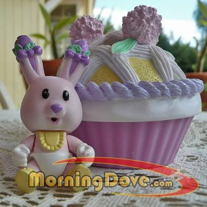Baby Tea Bunnies and Me Bluebell Giggles and her Ladyfingers Cake and Crib