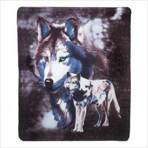 39345 Wildlife Wolve Fleece Blanket