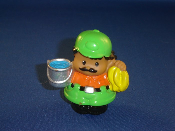 2004 Fisher Price Little People ABC Zoo Keeper In Green and Orange W Bananas and Water Bucket