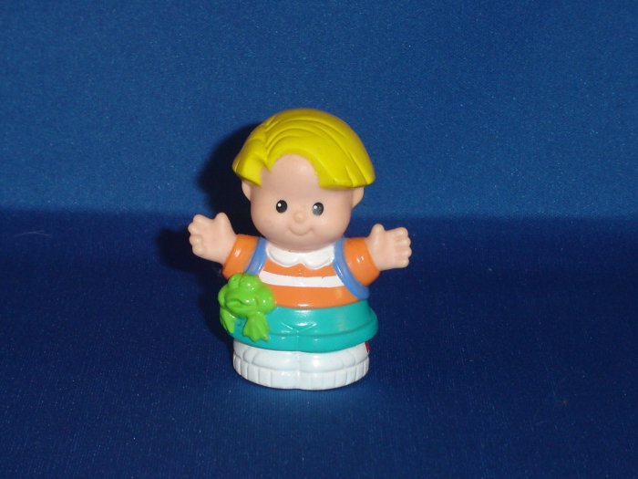 1997 Fisher Price Little People Boy Eddie W/ Back Pack Newer FP LP
