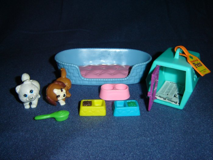Vintage 1992 Littlest Pet Shop Kenner Playful Puppies With Bed 3 Food Dishes Brush Newspaper