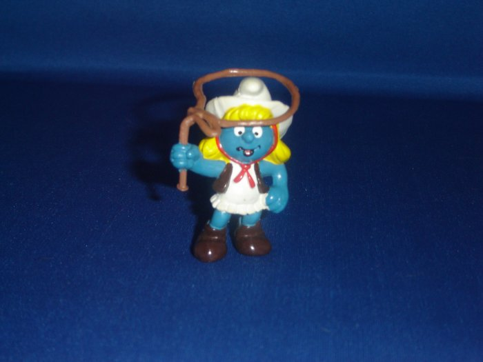 Vintage 1981 Cowgirl Smurfette Smurf With Lasso Rope Vest and Hat 20147 Schleich PVC