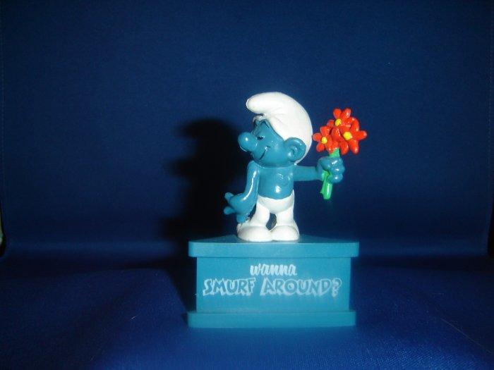 Vintage 1979 Wanna Smurf Around Smurf A Gram 20044 The Lover Smurf With Red Flowers Schleich