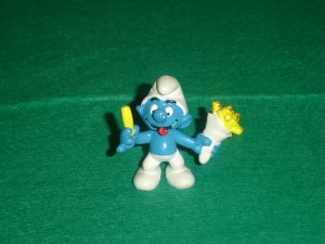 Vintage 1981 French Fries Fry Smurf  20131 Schleich PVC W Germany