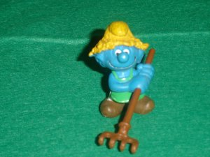 Vintage Smurfs 1983 Haymaker Farmer Smurf With Brown Hat and Brown Rake 20138 Peyo PVC