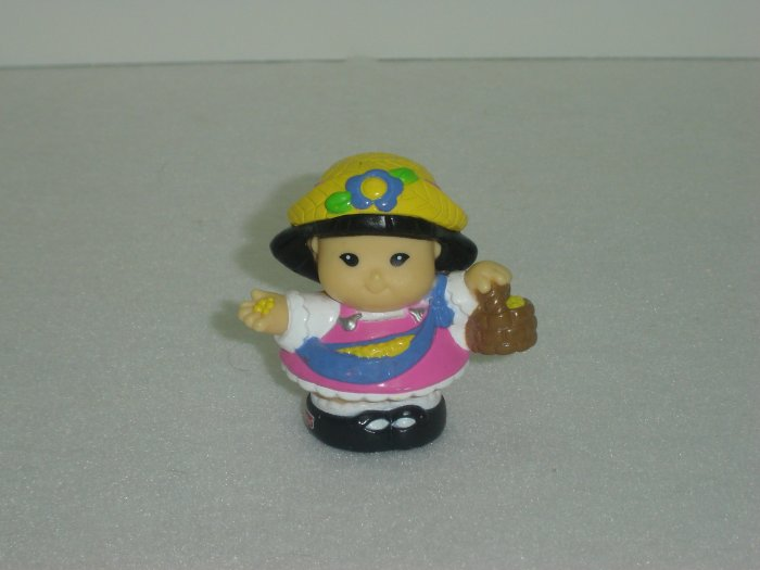 2003 Fisher Price Little People Girl Sonya Lee W Bird Seed Feeding Birds Yellow Hat Newer FP LP
