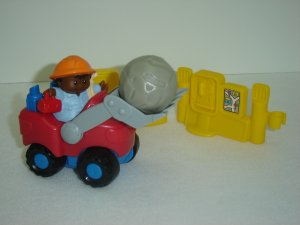 2002 Fisher Price Little People Bulldozer AA Construction Worker Boulder Phone Gas Pump Newer FP LP