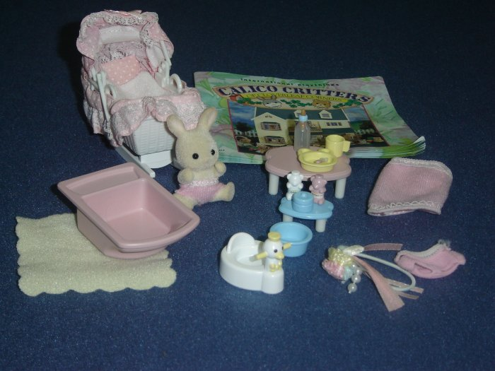 Calico Critters Sophie Snowbunny Bunny Babys Love N Care Bassinette Bathtub Potty and Accessories