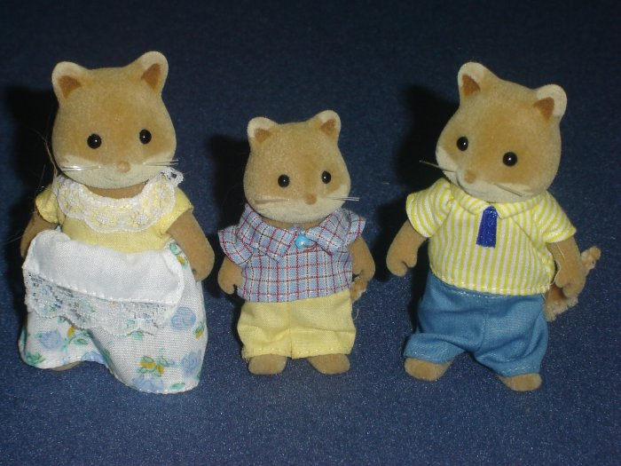 Calico Critters Slydale Fox Family by International Playthings Mother Father Son