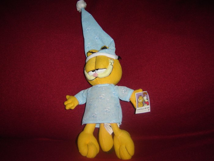 New Plush Sleepy Garfield Ready For Bed In PJ Pajamas W Moons Stars Night Cap By Namco