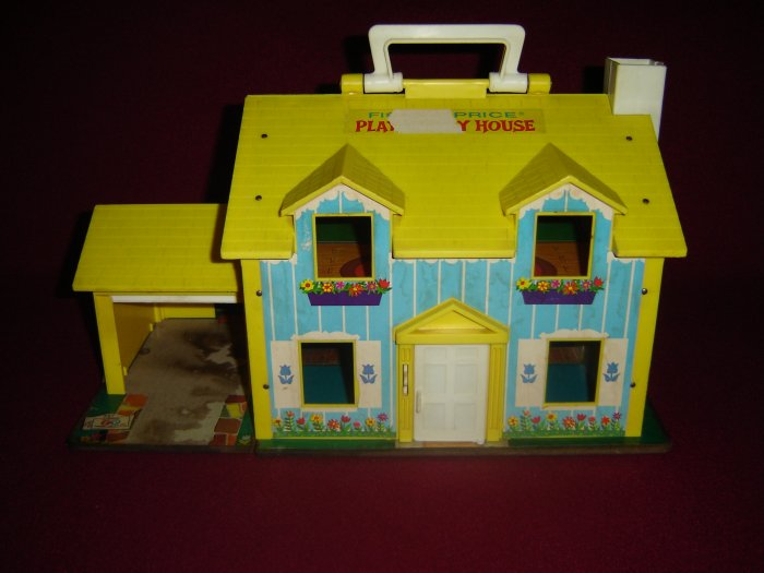 Vintage 1969 Fisher Price Little People Yellow and Blue Play Family House 952