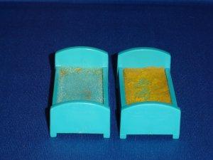2 Vintage Fisher Price Little People Childrens Hospital Beds 931 Aqua Blue