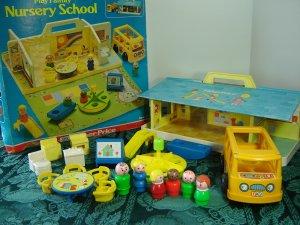 Vintage 1978 Fisher Price Little People Nursery School Play Set 929 and Original Box!