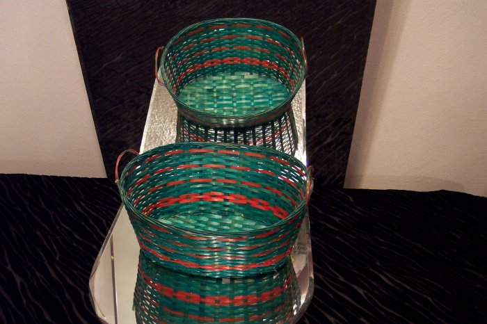 VINTAGE Green and Red Basket *