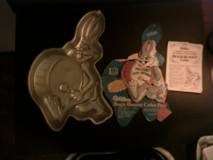 Bugs Bunny Cake Pan -- by Wilton -- 502-3517 -- 1983 *