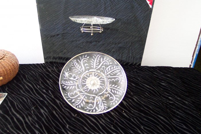* Swival Cake Plate trimmed in silver