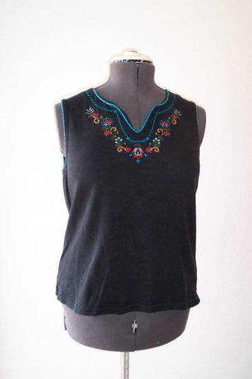 Black Embroidered V Neck Knit Blouse *