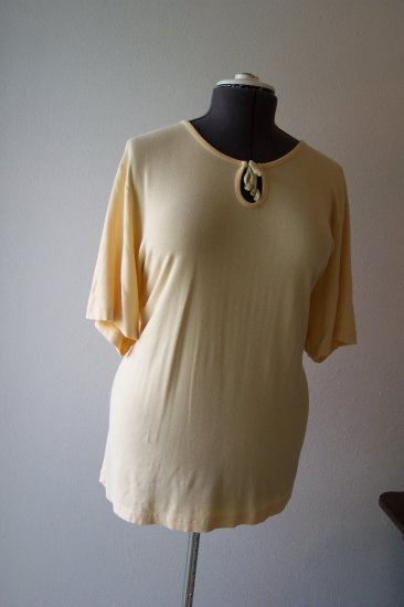 Yellow Knit Blouse with 3/4 length sleeves *