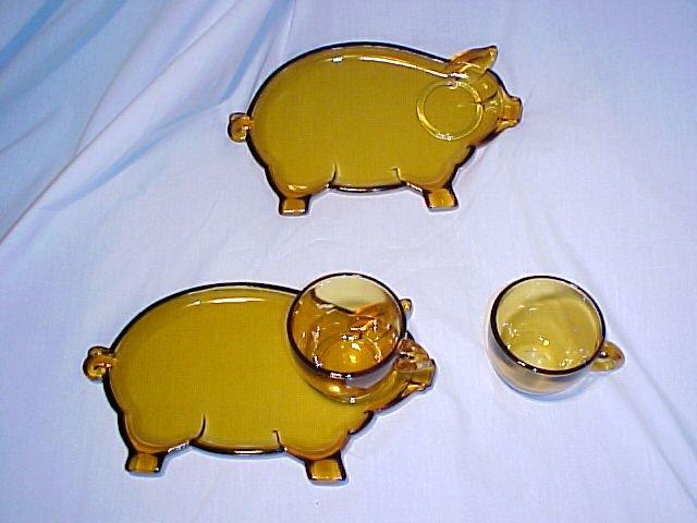 Tiara Glassware -- Little Piggy Snack Set (2 sets available)