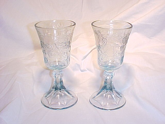 Tiara Glassware -- Lords Supper Chalice -- Set of 2