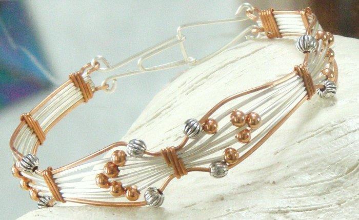 Wire bracelet 0114