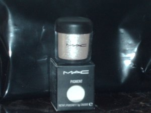 MAC Cosmetics Silver Fog Pigment 1/4 Sample Jar
