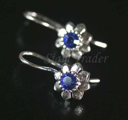 Sterling Silver flower Earrings w/ Swarovski Sapphire Crystal YSS51