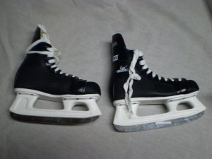 CCM Cyclone 90 Ice Skates