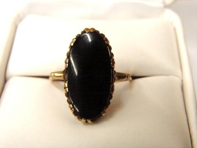 Vintage 10k Yellow Gold Black Onyx Ladies Ring