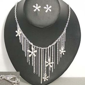 Silvertone  Chain and Star  Necklace and Earring Set