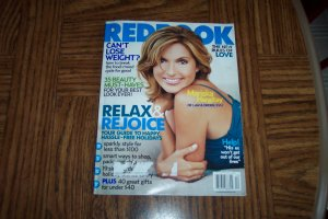 REDBOOK Mariska Hargitay Law & Order SVU December 2005 Back Issue Magazine