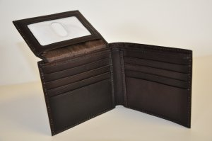 Kenneth Cole Reaction Genuine Leather Passcase Wallet (Brown)