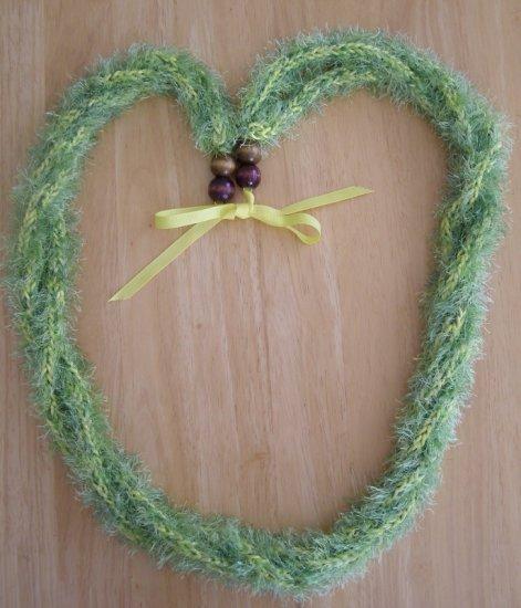 Hawaiian lei crochet 3-strand pakalana w/ green eyelash yarn yellow rattail wood bead
