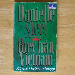 Brev fran Vietnam by Danielle Steel Swedish Message from Nam