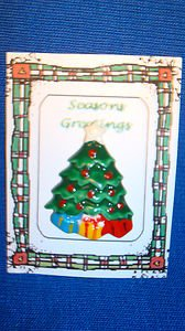 Christmas PIN #0423 Green Christmas Tree TAC Pin~White Star and gifts underneath