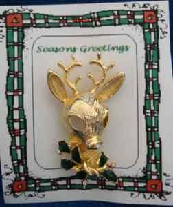 Christmas PIN #0341 Reindeer Goldtone wEnamel Green Holly & Crystal-8 point Buck