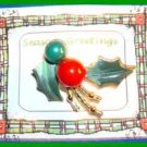 Christmas PIN #0134 Holly Leaves & Berries Goldtone HOLIDAY Brooch