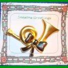 Christmas PIN #0129 Horn & Bow Goldtone HOLIDAY VGC