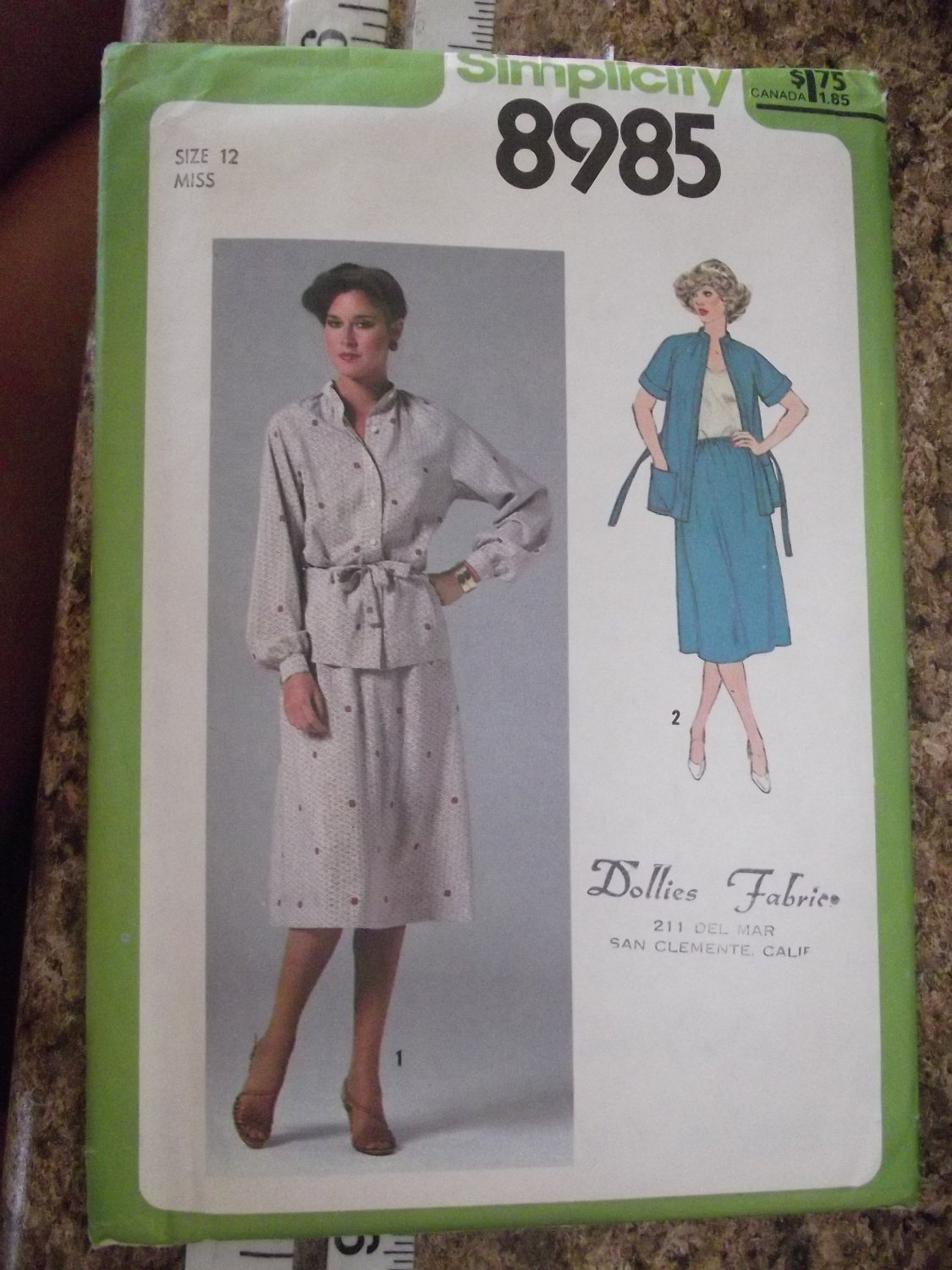 Vintage Simplicity pattern 8985 sz 12 from 1979 Uncut