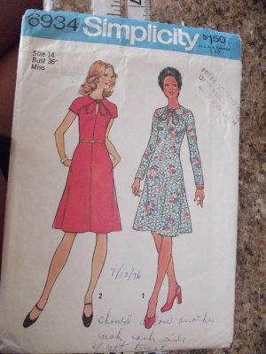 Vintage Simplicity Pattern 6934 sz 14 year 1975