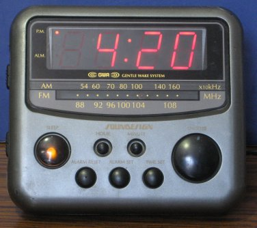 Soundesign GWA 3654 MCL AM FM Radio Alarm Clock Gentle Wake System - Black