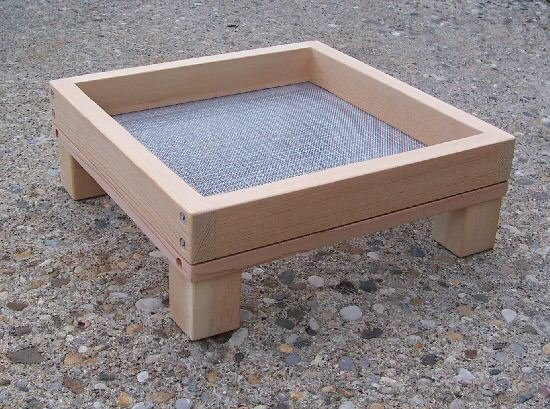 Cedar Ground Platform Bird Feeder - medium
